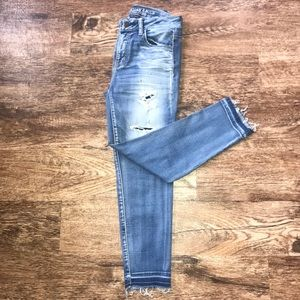 American Eagle High-Rise Ripped Jegging Crop Size4